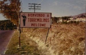 Cartel de Bienvenido a Torremolinos princicios de los 60. Ayuntamiento de Málaga